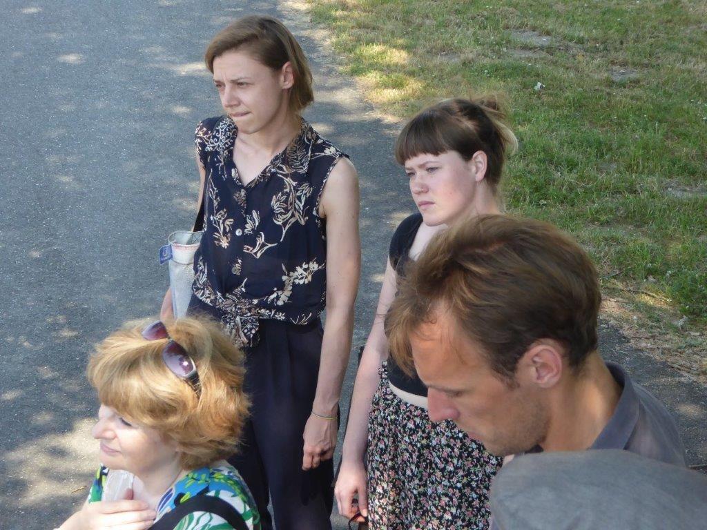 Le 31 mai 2018, lors d'une visite du site du mémorial de Neuengamme, les étudiants sont confrontés aux conditions de travail inhumaines dans le camp de Neuengamme. Photo : Barbara Hartje