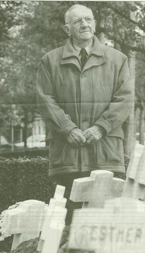 Roger Vyvey le 11 novembre 2002, lorsque le titre de citoyen d'honneur lui fut décerné