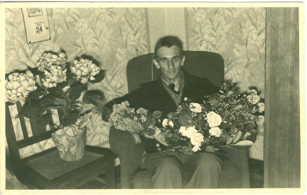 Roger Vyvey bij zijn thuiskomst op 24 mei 1945.