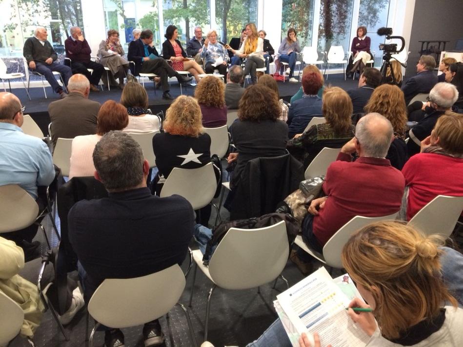 Panelistas y participantes de la Audiencia Memorial en Sant Boi de Llobregat